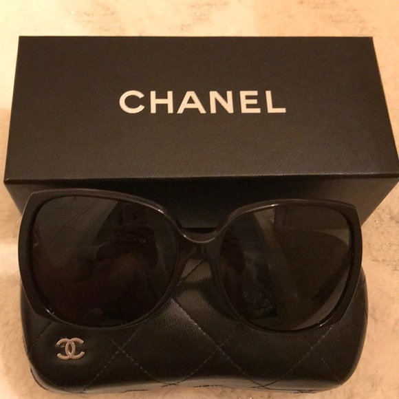 96363043a761 CHANEL Accessories - NWOT Chanel 5216 Sunglasses